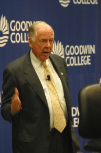 T. Boone Pickens will receive an honorary doctorate in Humane Letters. He is pictured here in a 2009 visit to Goodwin.