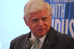 Congressman John Larson was instrumental in helping Goodwin College establish its CPT program.
