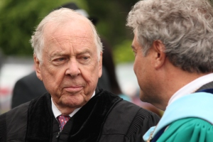 Business and Energy leader T. Boone Pickens listens to Goodwin College President Mark Scheinberg.
